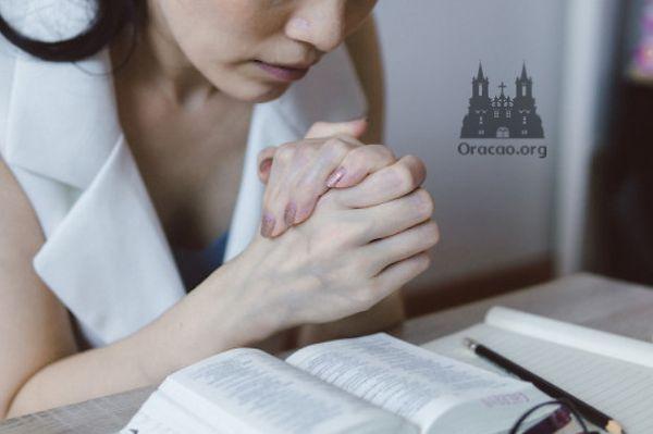 Oração a Maria Rosa Mística